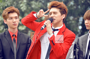 VIXX KEN Doing Aegyo